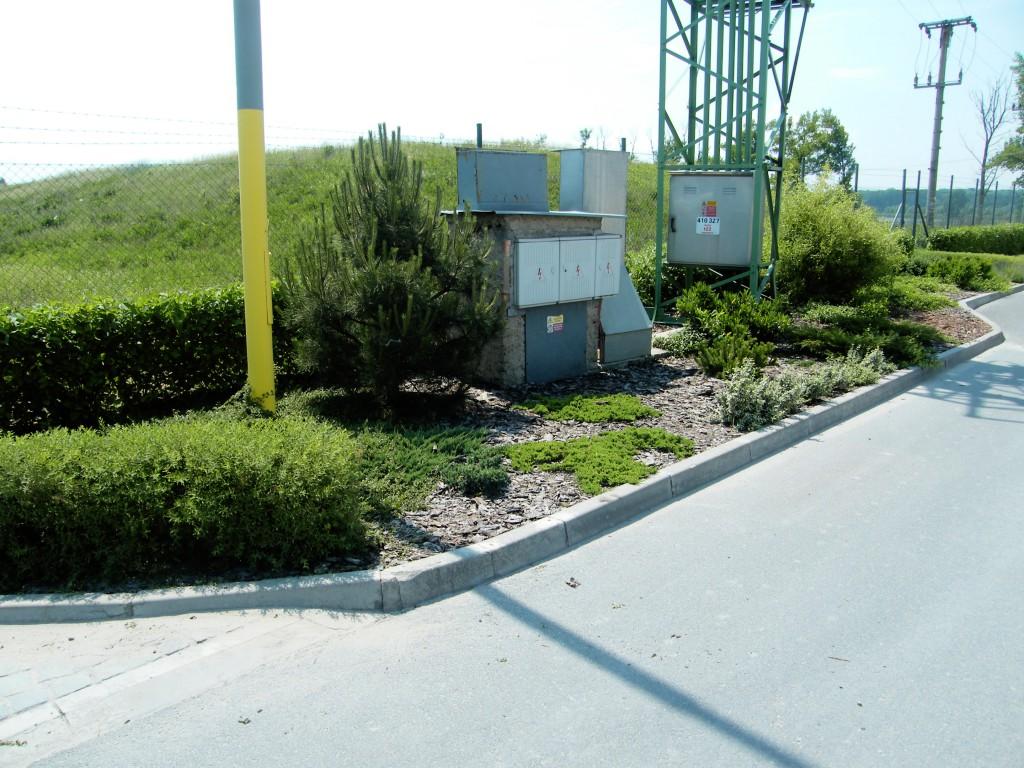 trávníky a výsadby v areálu firmy Zapa Beton a.s. v Hulíně