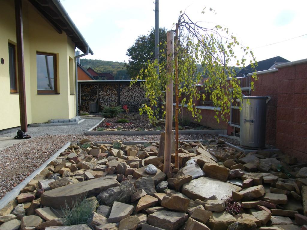 komplexní realizace zahradních úprav v Jarohněvicích