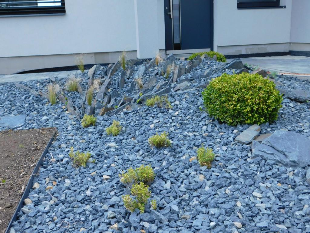 Moderní břidlicová zahrada